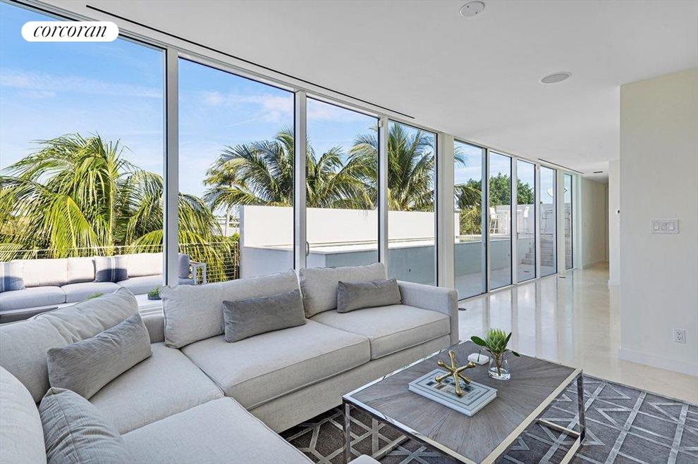 South Florida Real Estate | View 243 Venetian Drive | room 38