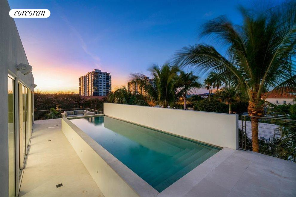 South Florida Real Estate | View 243 Venetian Drive | room 42