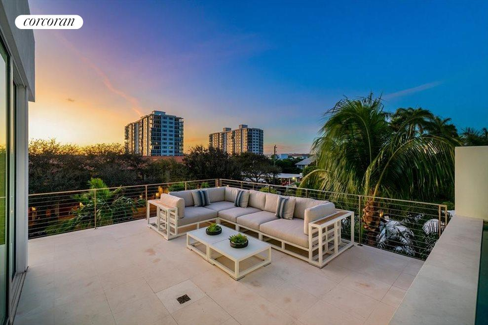 South Florida Real Estate | View 243 Venetian Drive | room 46