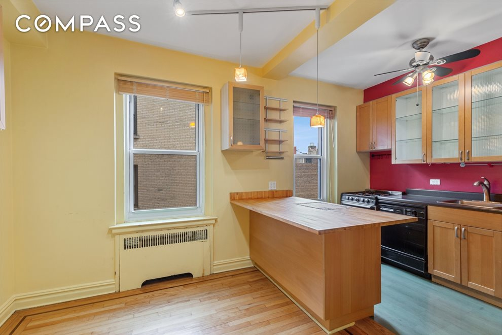 New York City Real Estate | View Cabrini Boulevard | room 5