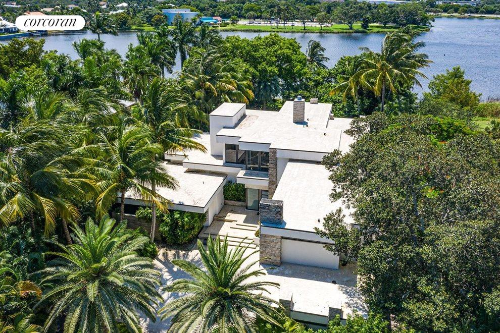 South Florida Real Estate | View 1080 Lake Drive | room 37