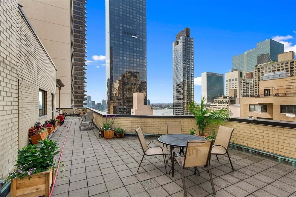 New York City Real Estate | View 301 East 48th Street, #15J | room 7