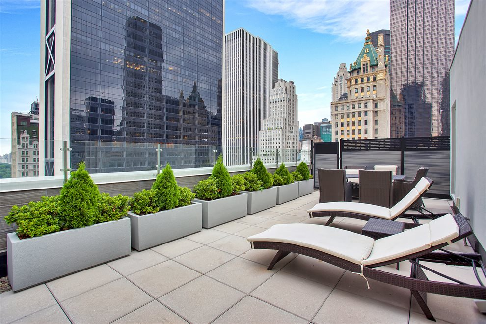 New York City Real Estate | View 33 West 56th Street, #6D | Roof Deck