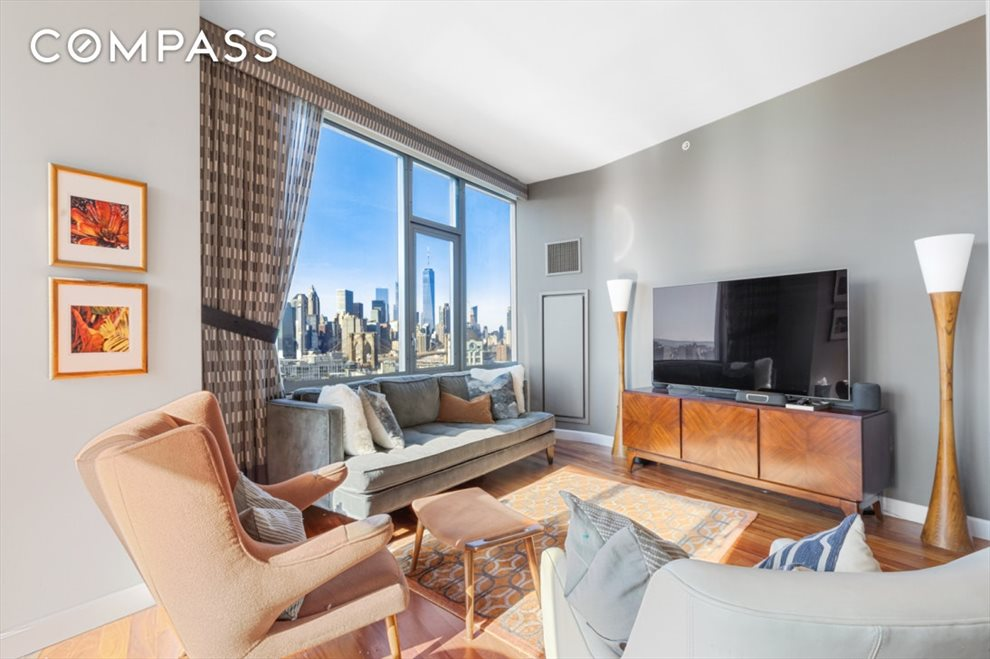 New York City Real Estate | View Jay Street | room 2