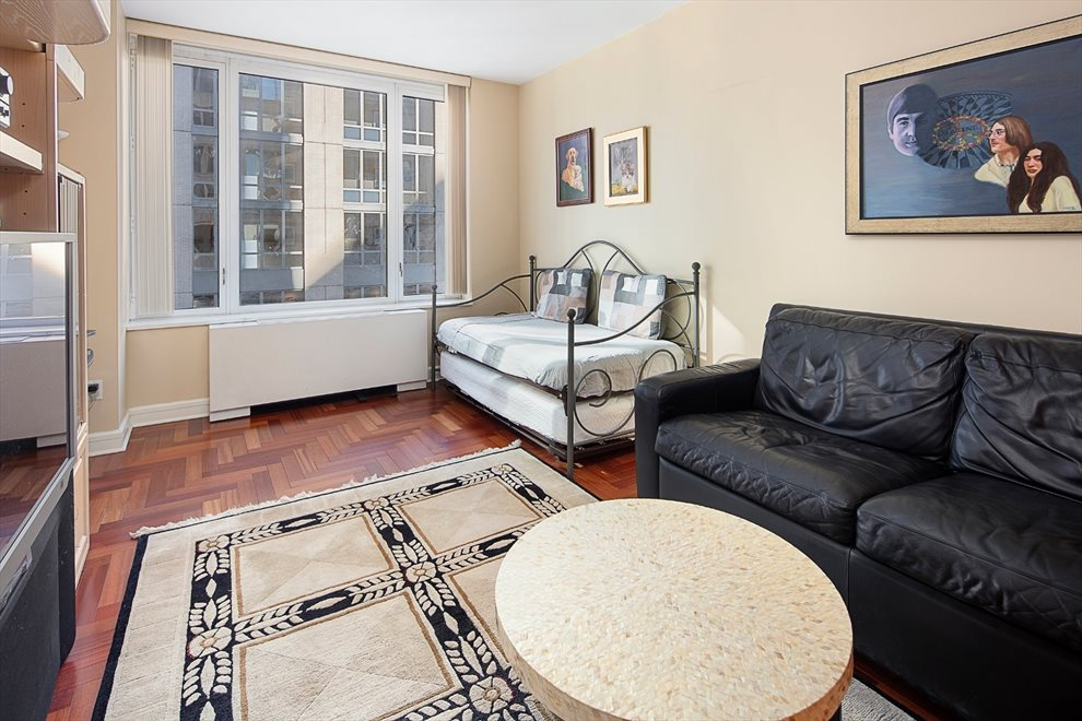 New York City Real Estate | View Riverside Boulevard | room 9