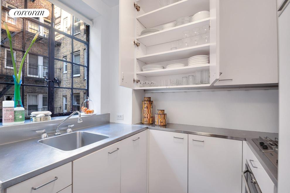 New York City Real Estate | View 333 East 43rd Street, #801 | Michelin Star Chef's Kitchen
