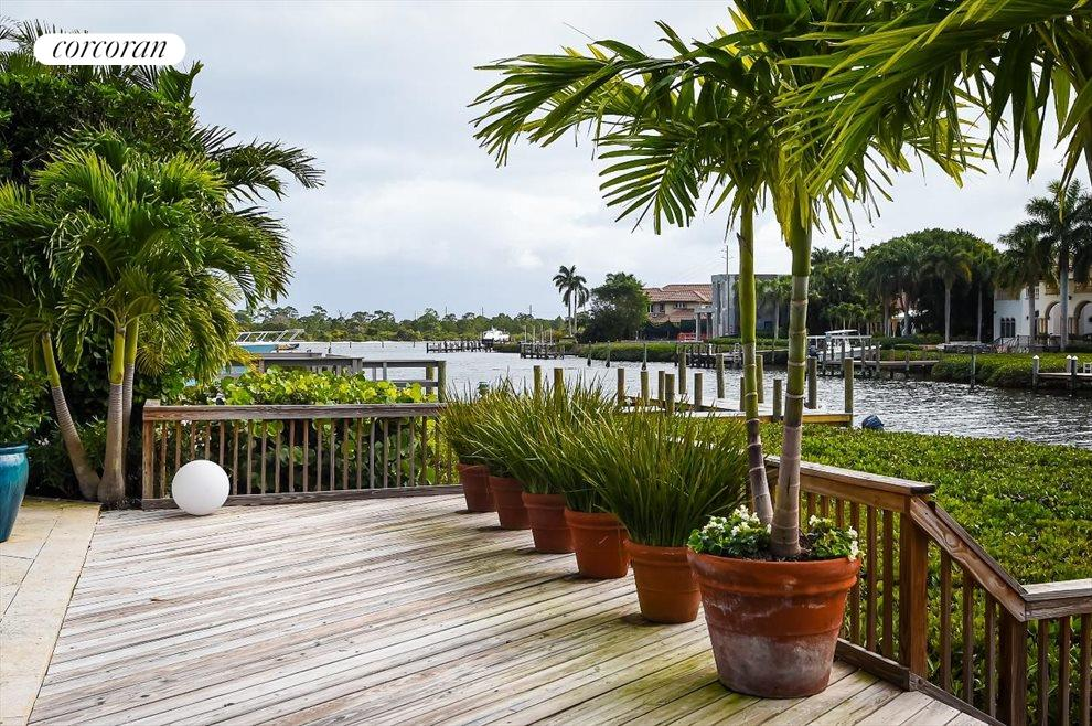 South Florida Real Estate | View 215 Island Drive | room 14