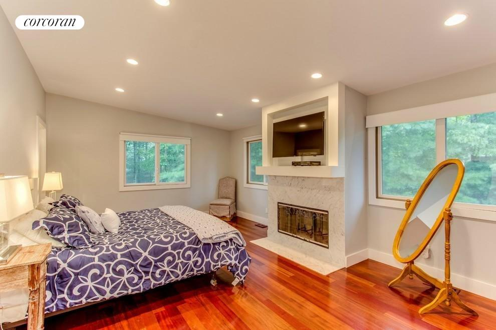 LARGE MASTER BEDROOM WITH LOTS OF WINDOWS