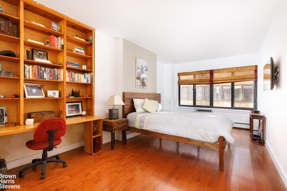 New York City Real Estate | View West 42nd Street | room 3