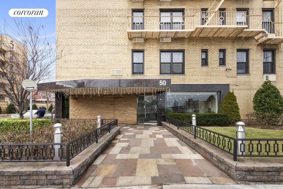 New York City Real Estate | View 50 Shore Boulevard, #1L | room 4