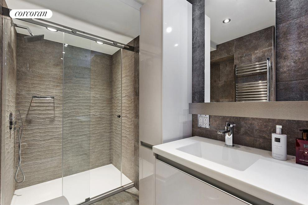 New York City Real Estate | View 10 Park Avenue, #3AB | Bathroom