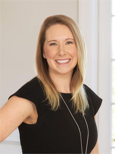 Jocelyn Haas | Senior Managing Director of The Corcoran Group, a Luxury Real Estate Company