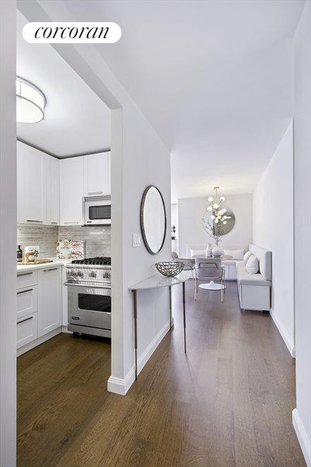 New York City Real Estate | View 200 East 94th Street, #1015 | room 2
