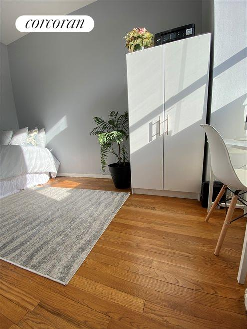 3rd Bedroom with street view