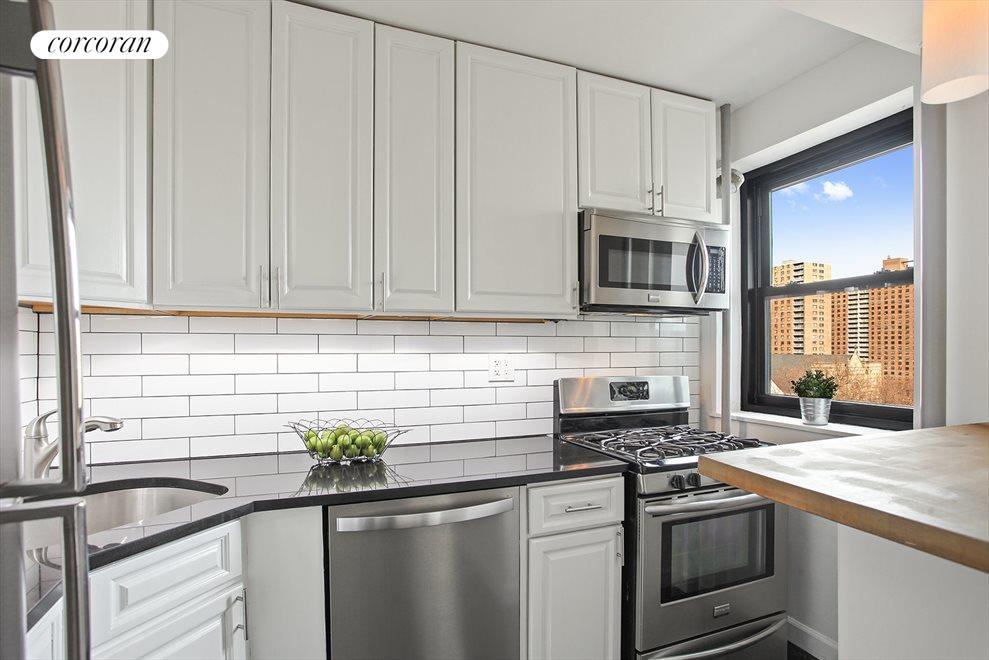 Modern Windowed Kitchen!