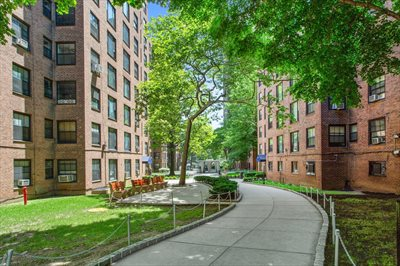 New York City Real Estate | View 365 Clinton Avenue, #8A | Courtyard