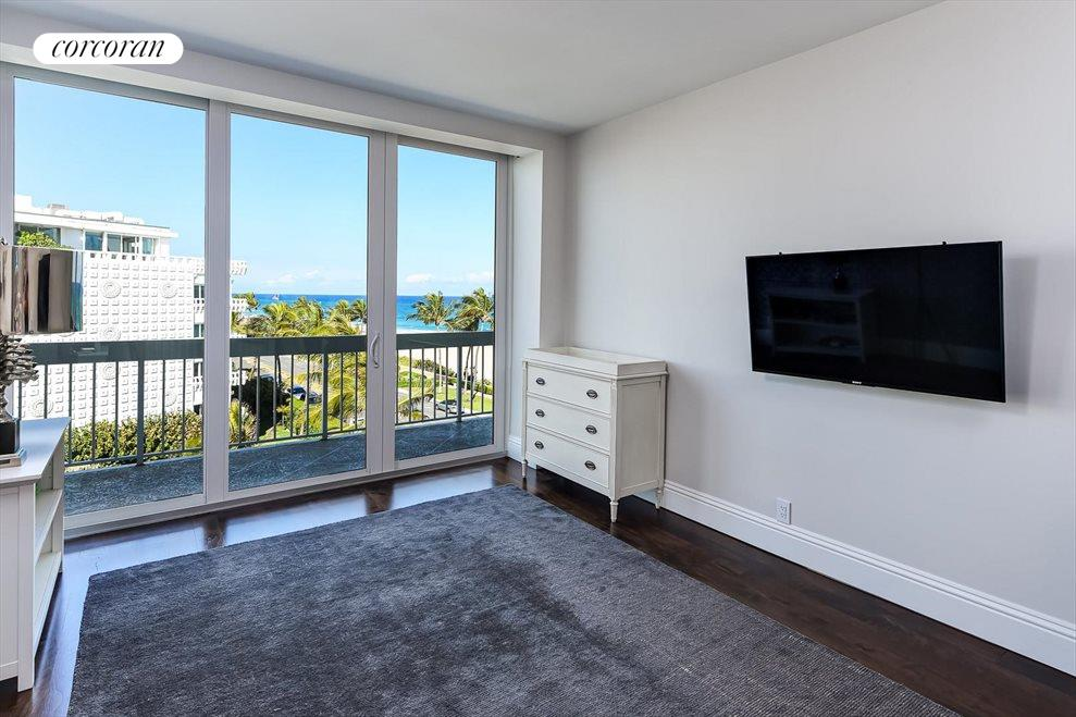 South Florida Real Estate | View 330 S Ocean Blvd, 5D | room 10
