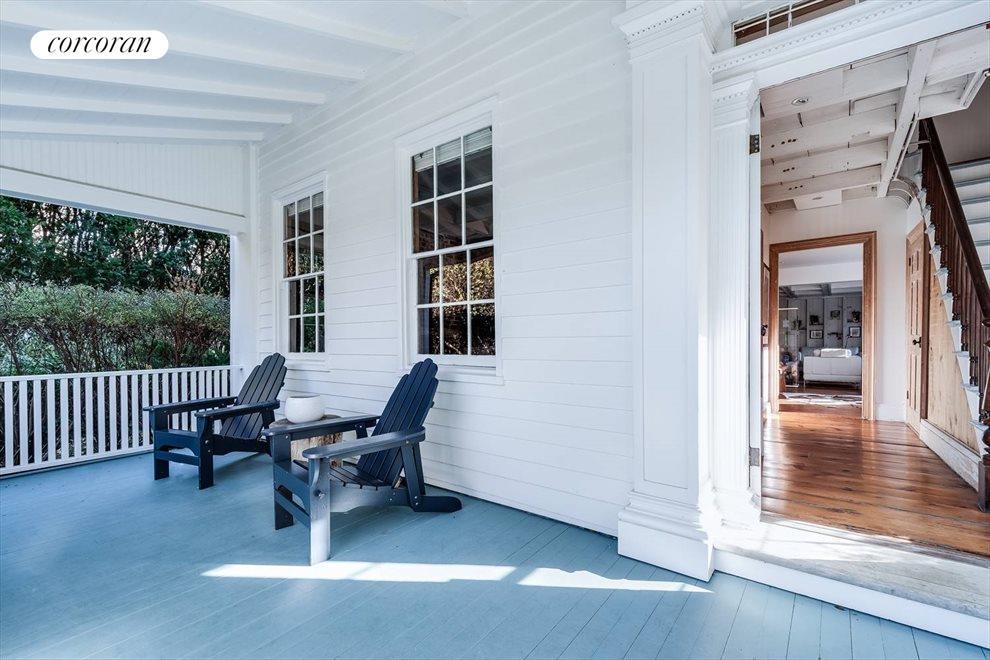 Gracious Porch Entryway