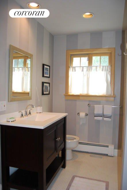 Main Floor Master Bedroom Bath