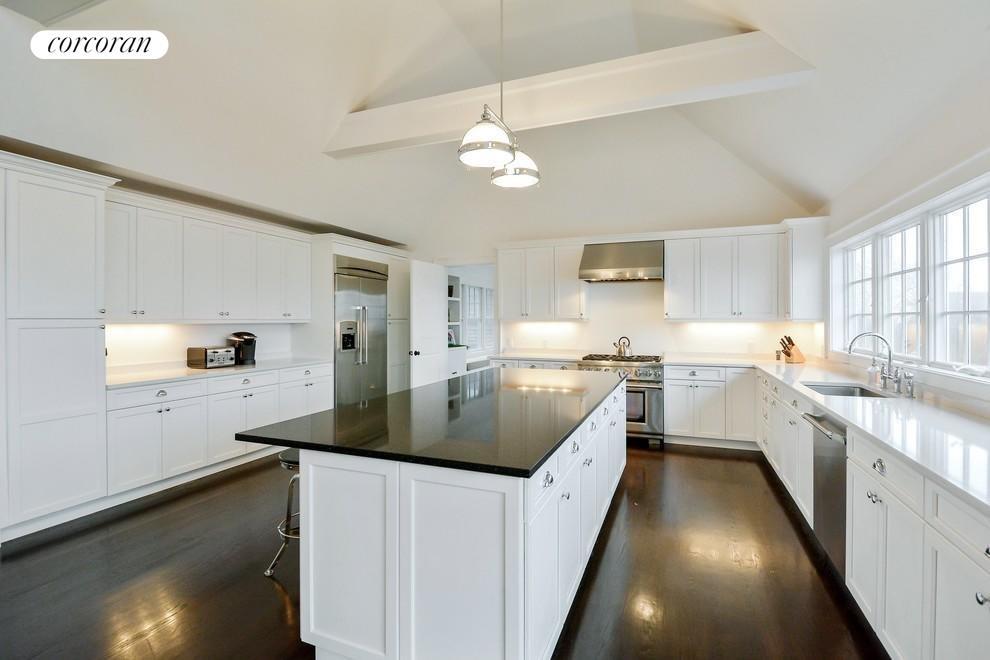 Sparkling crisp kitchen