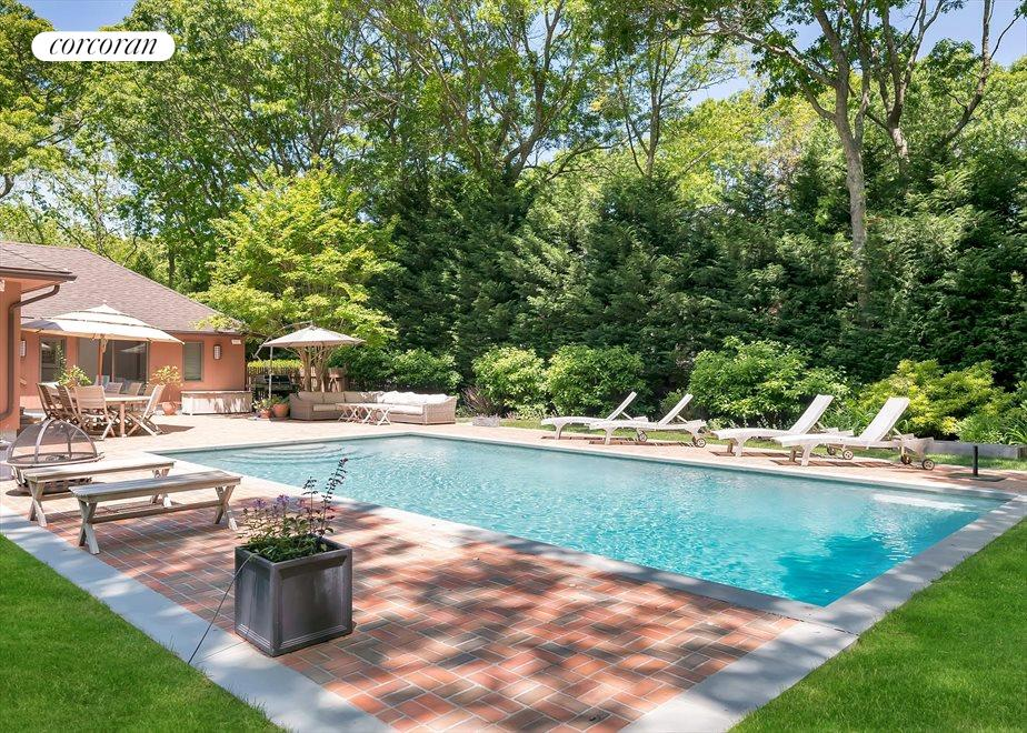 The Hamptons Real Estate | View 27 Squires Path | room 8
