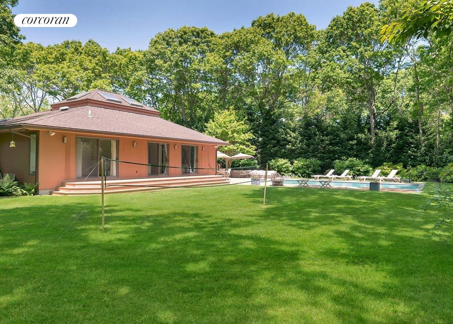 The Hamptons Real Estate | View 27 Squires Path | room 9