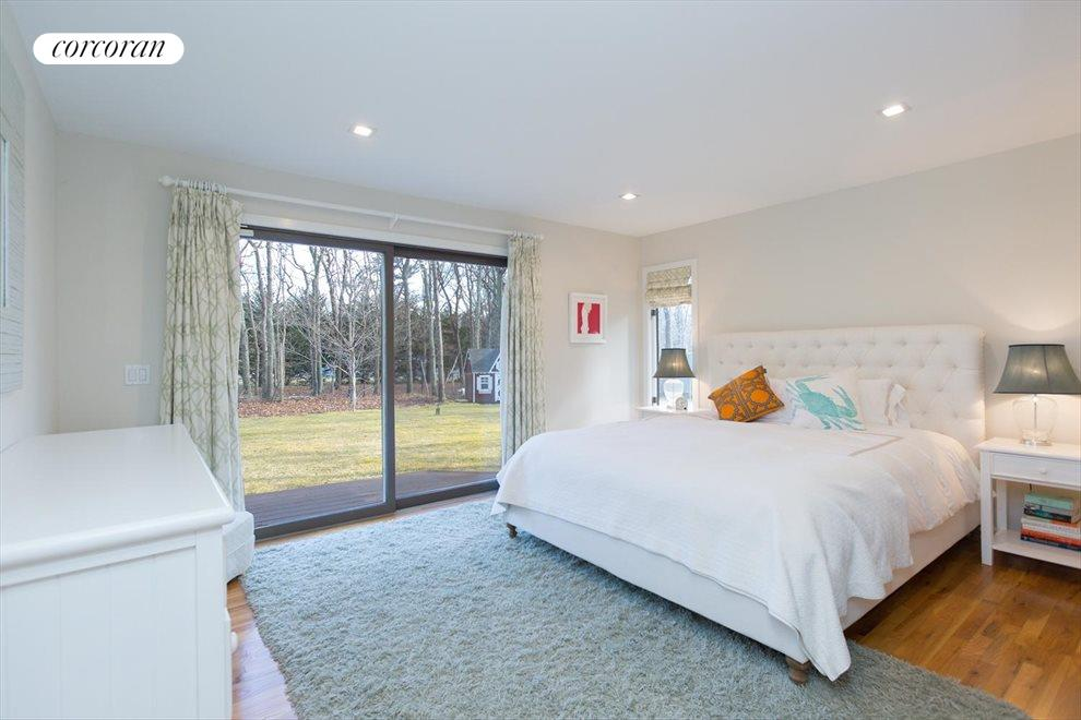 The Hamptons Real Estate | View 27 Squires Path | room 20