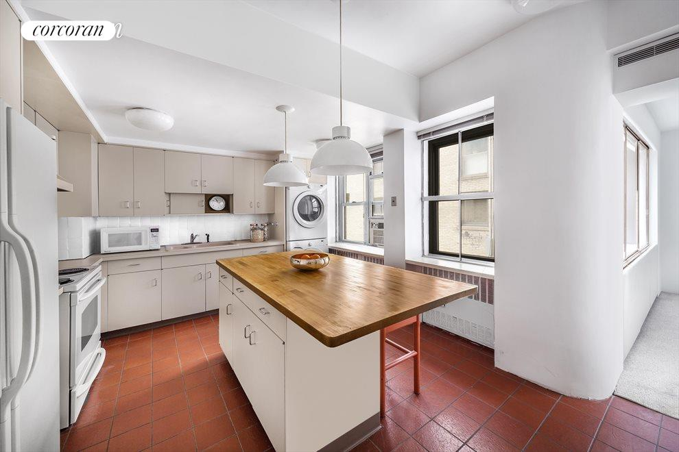 New York City Real Estate | View 45 East 72nd Street, #10 | room 5