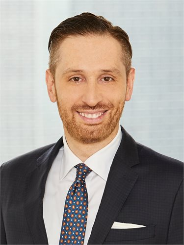 Adam Ashkenas, a top realtor in New York City for Corcoran, a real estate firm in Westside - Columbus.