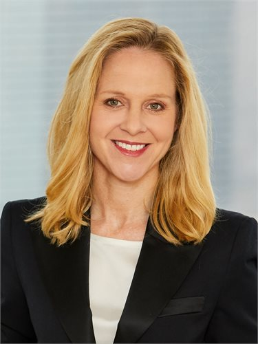 Julie Rose, a top realtor in New York City for Corcoran, a real estate firm in Westside - Columbus.