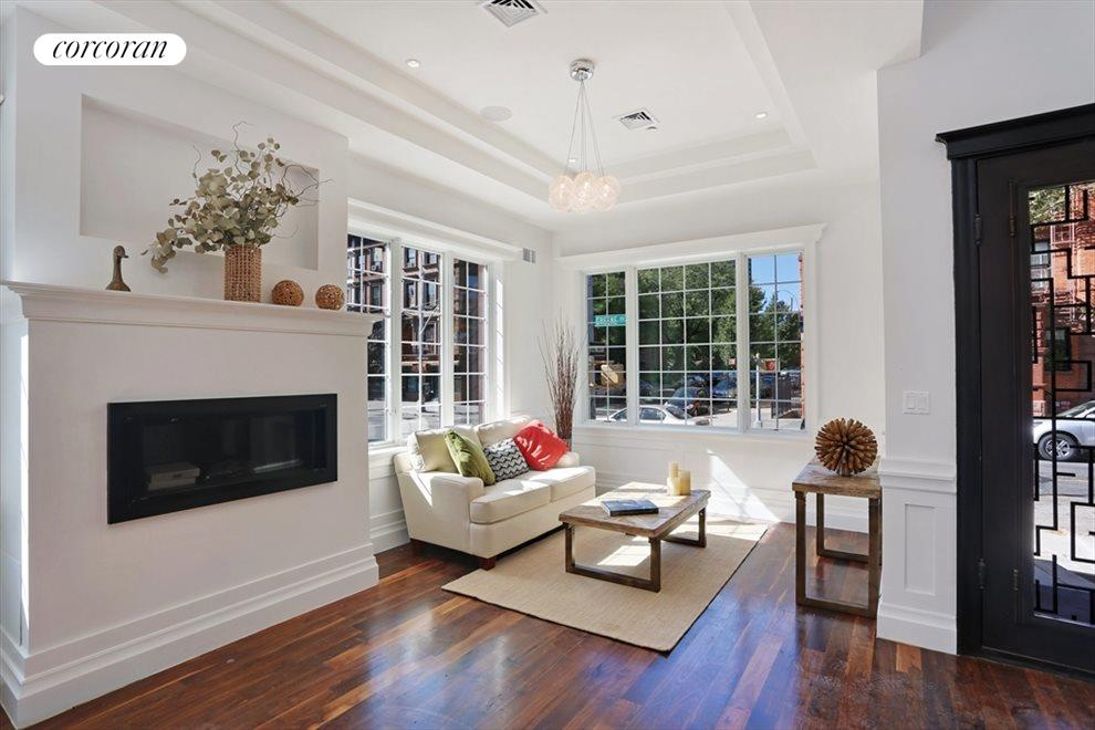 Living Room w/ Fireplace & Sound System