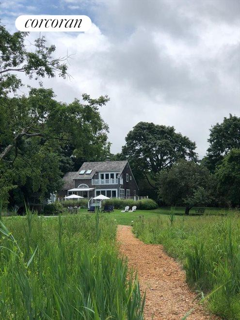 The Hamptons Real Estate | View Sag Harbor | room 2