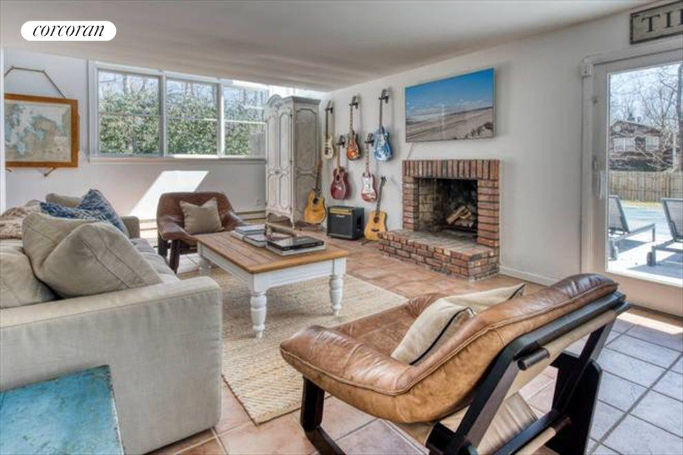 The Hamptons Real Estate | View 132 Peconic Hills Drive | room 1