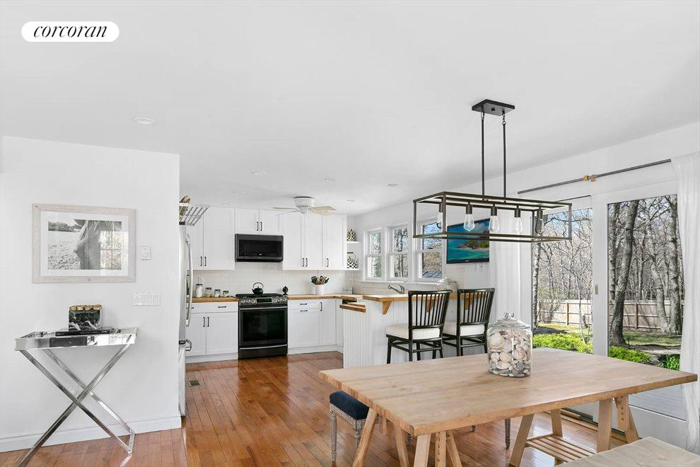 The Hamptons Real Estate | View 132 Peconic Hills Drive | room 3