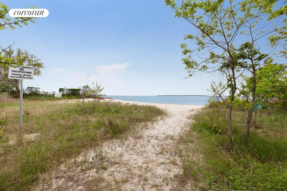 The Hamptons Real Estate | View 132 Peconic Hills Drive | room 16
