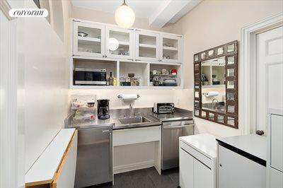 New York City Real Estate | View 160 East 72nd Street, #1A | Kitchenette