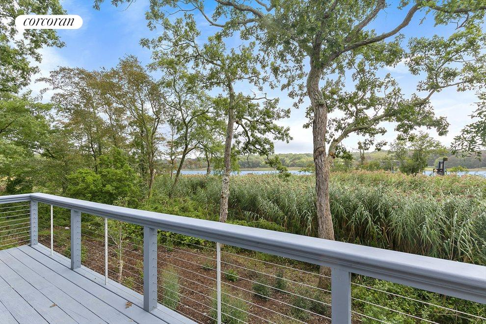 The Hamptons Real Estate | View 358 West Neck Road | 3 Beds, 2 Baths