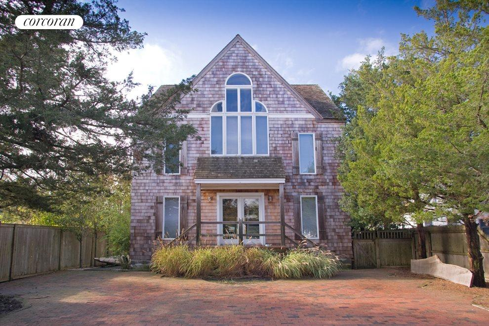 The Hamptons Real Estate | View Southampton | Front Exterior