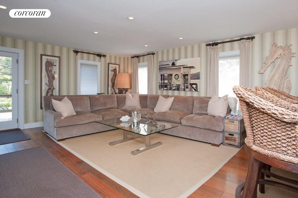 The Hamptons Real Estate | View Southampton | Living Room