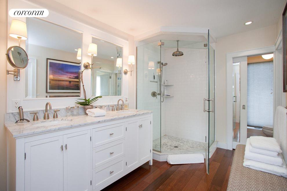 The Hamptons Real Estate | View Southampton | Master Bathroom