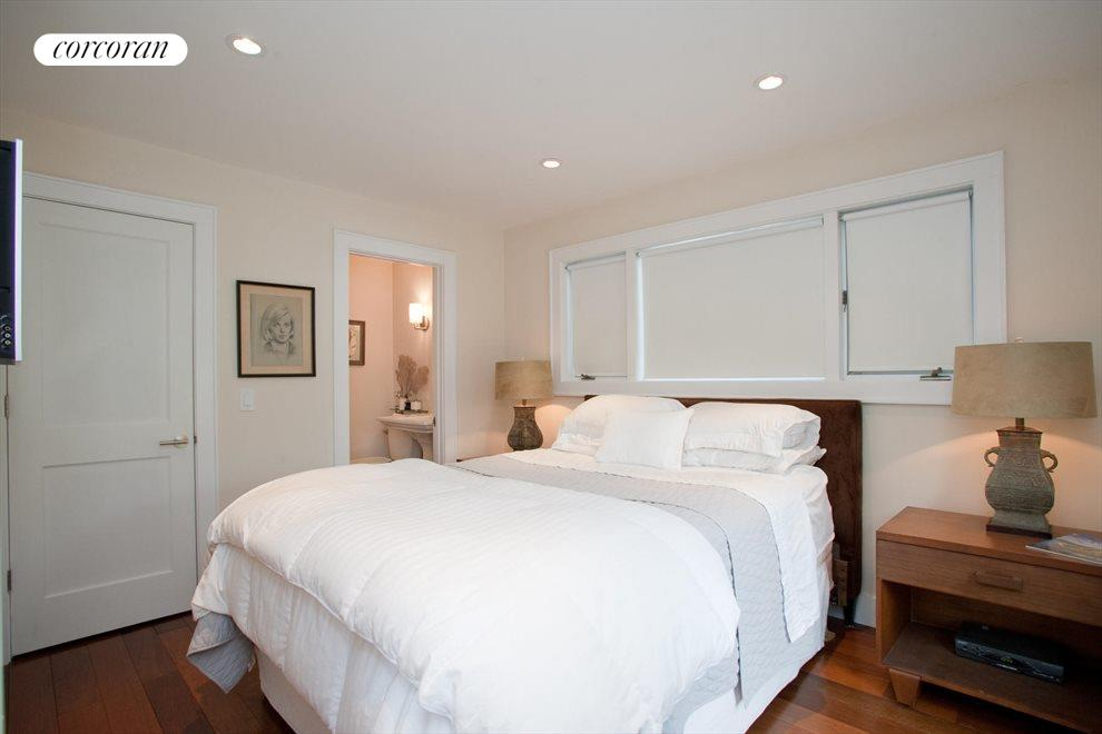 The Hamptons Real Estate | View Southampton | Bedroom