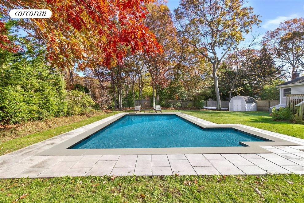 The Hamptons Real Estate | View 30 Rolling Hill Road | room 11