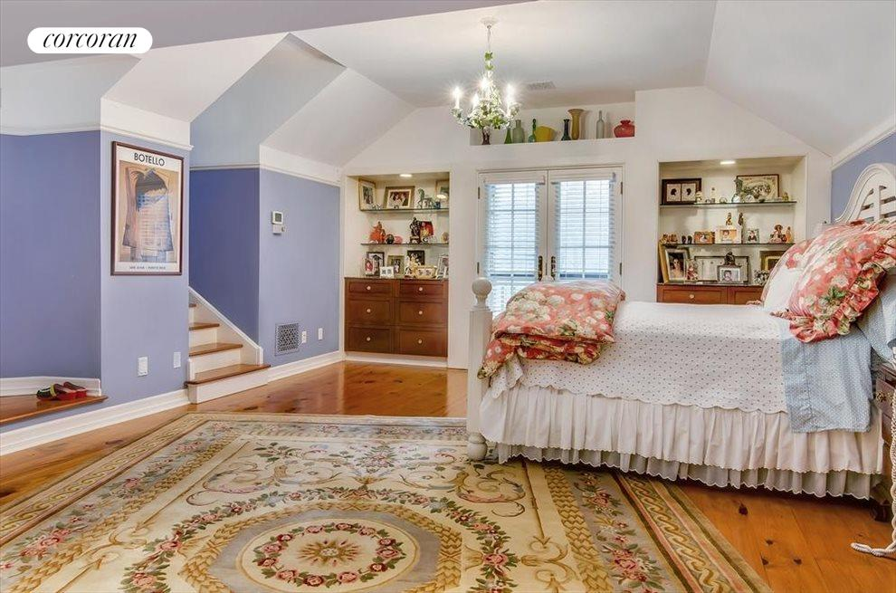 Master suite with upper deck