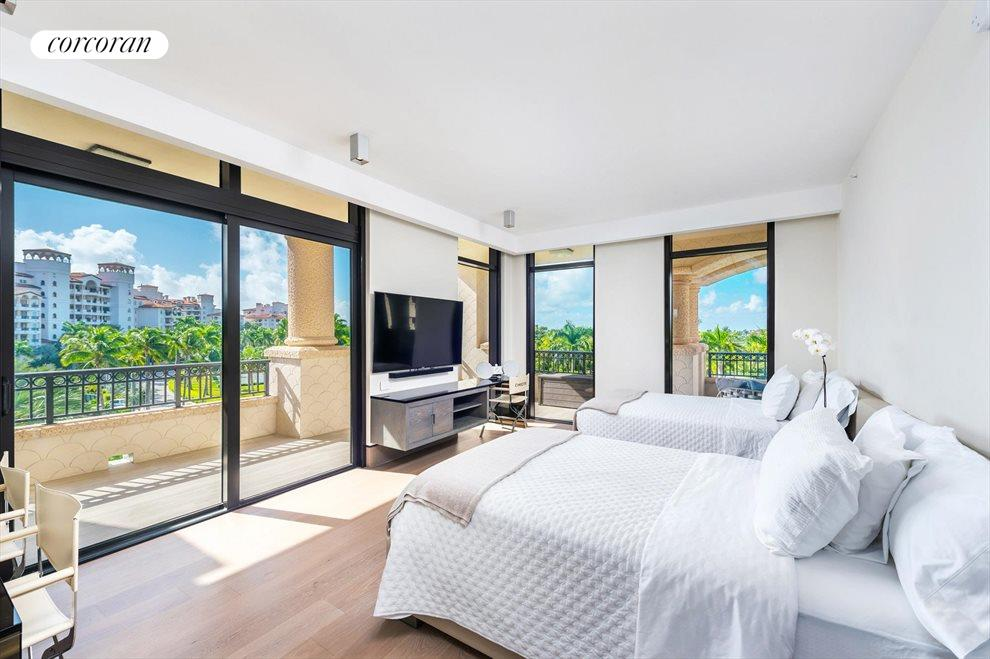 South Florida Real Estate | View 7046 Fisher Island Dr #7046 | room 15