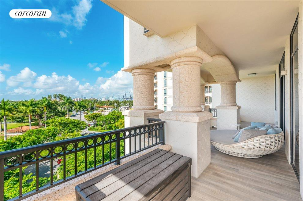 South Florida Real Estate | View 7046 Fisher Island Dr #7046 | room 20