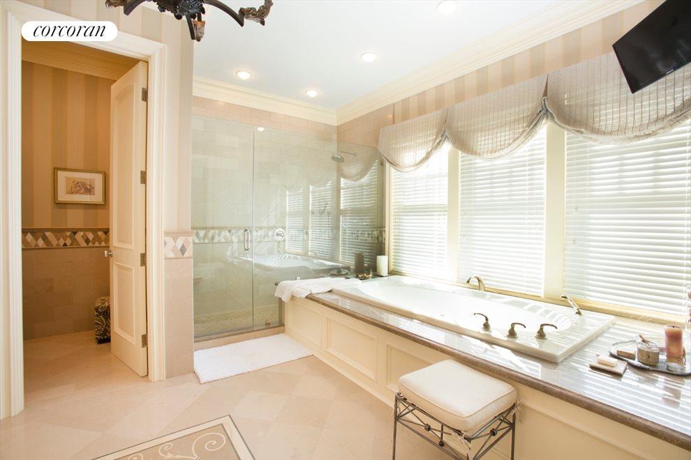 1st floor master bathroom