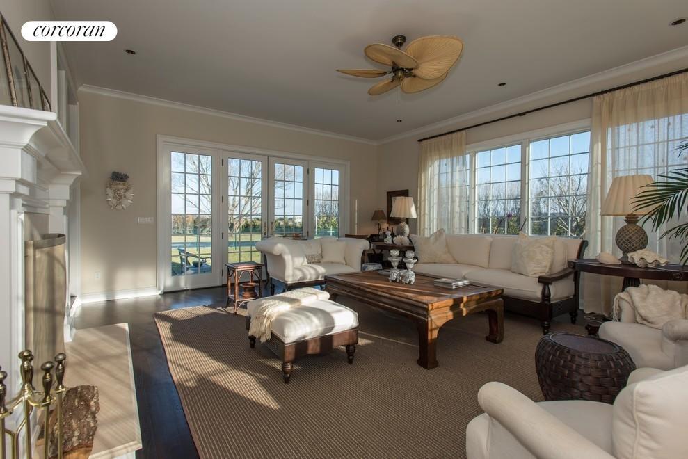 Sunroom w/fireplace
