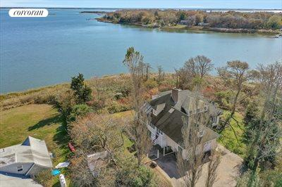 The Hamptons Real Estate | View 93 Moriches Avenue | room 22