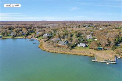 The Hamptons Real Estate | View 93 Moriches Avenue | room 24