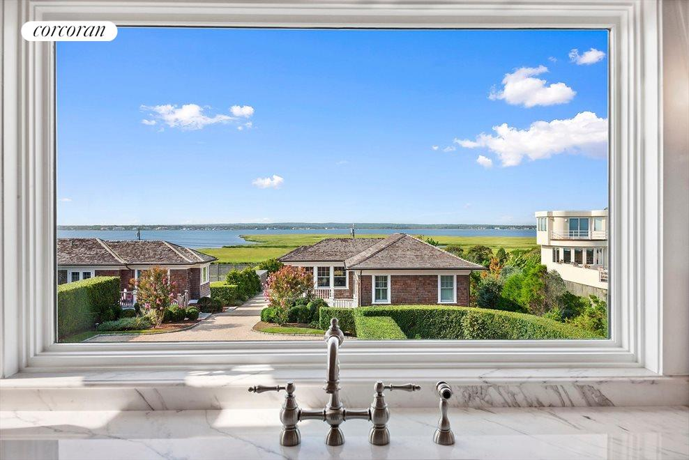 The Hamptons Real Estate | View 83 Dune Road | room 9